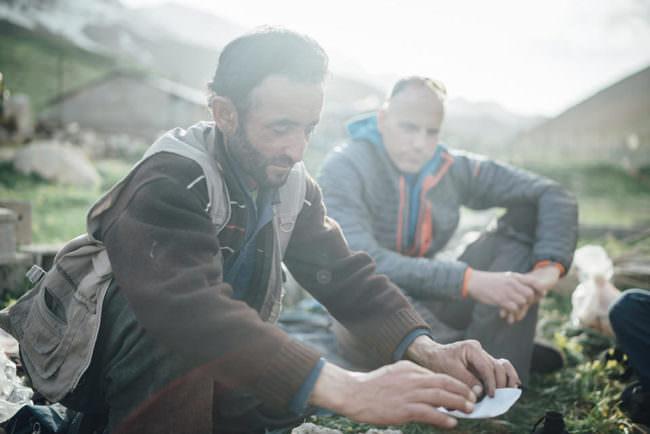 Zwei Männer campen