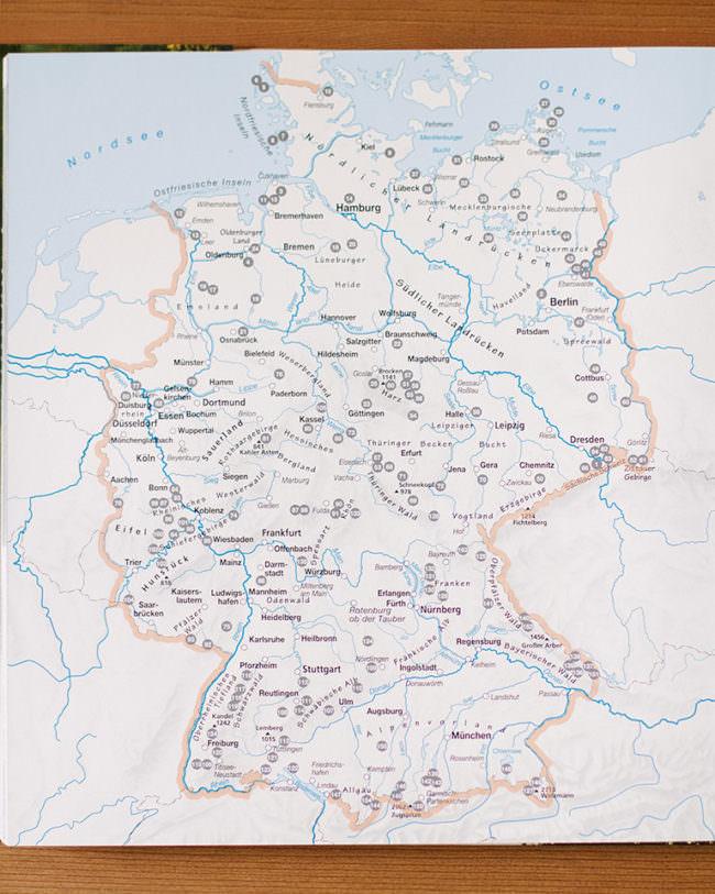 Deutschlandkarte in einem Buch