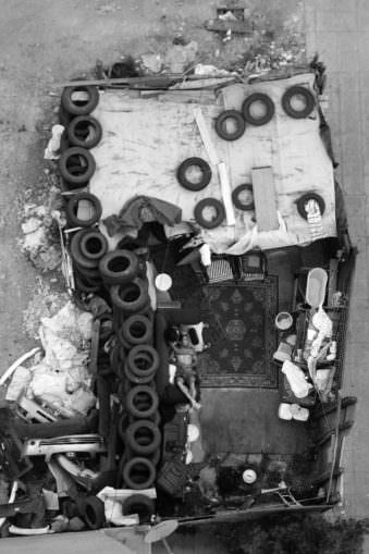 Blick von oben auf alte Reifen