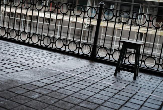 verregnete Terrasse