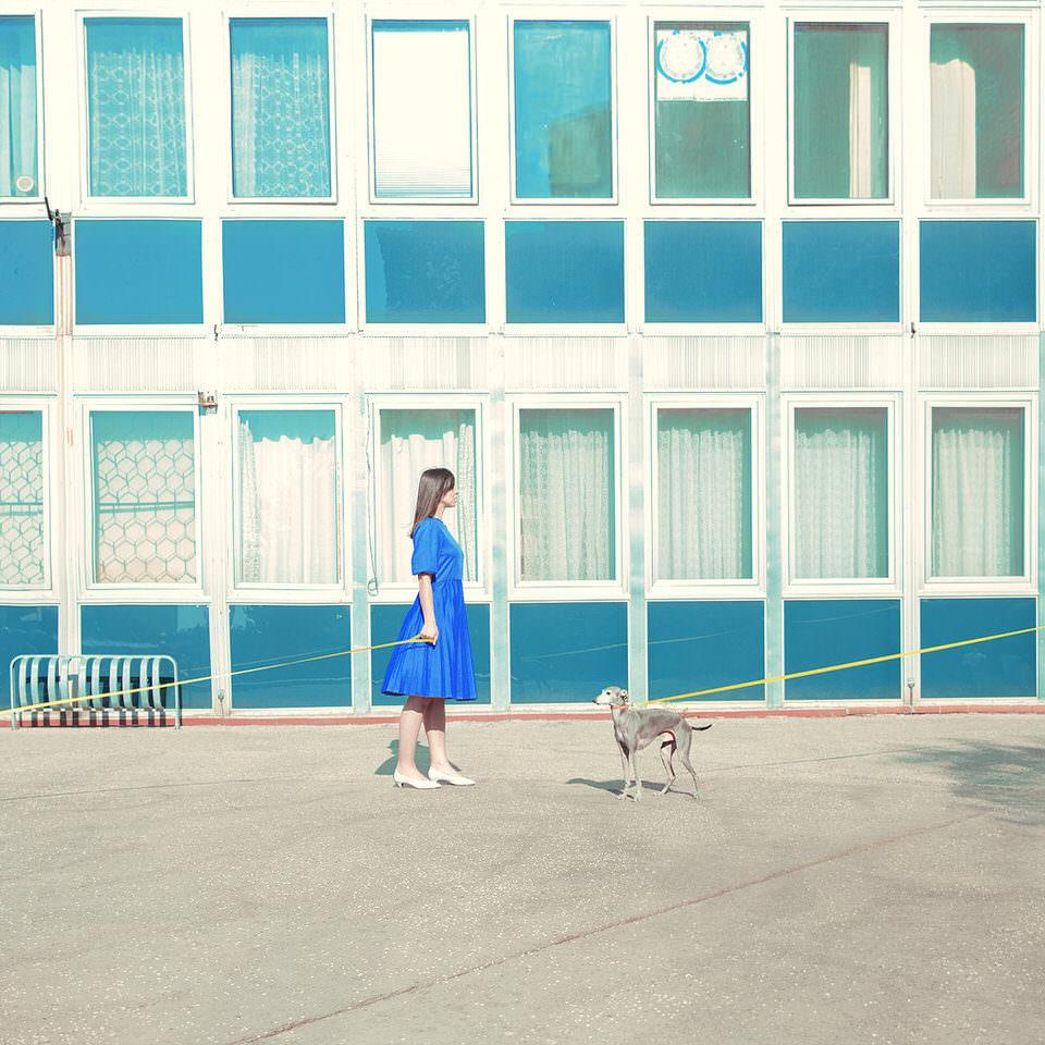 Eine Frau mit Hund