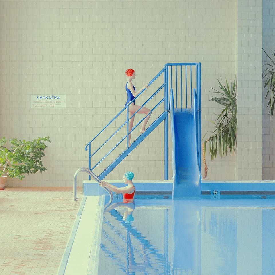 Zwei Frauen im Schwimmbad