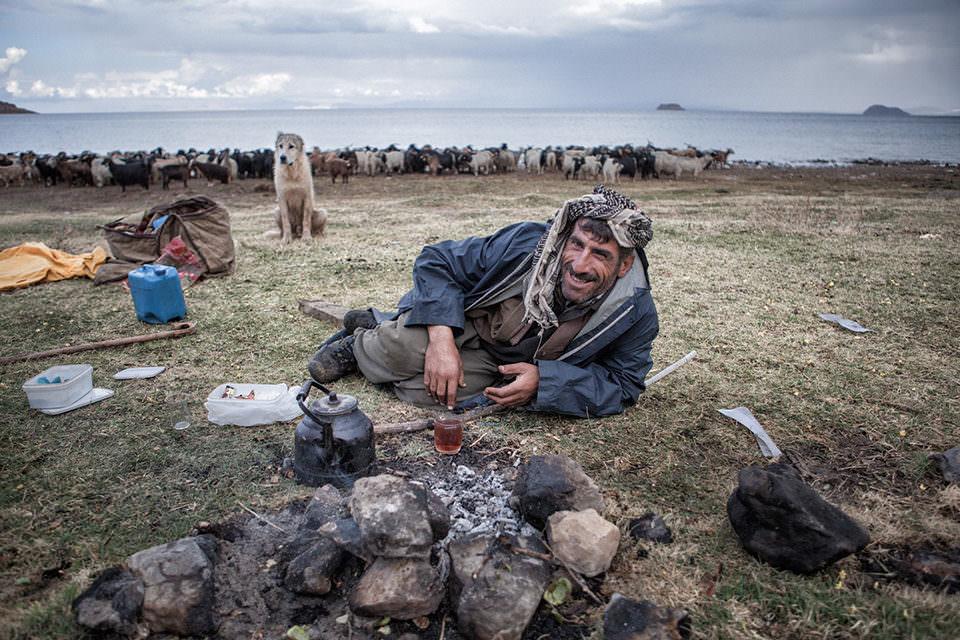 Ein Viehhirte beim Tee