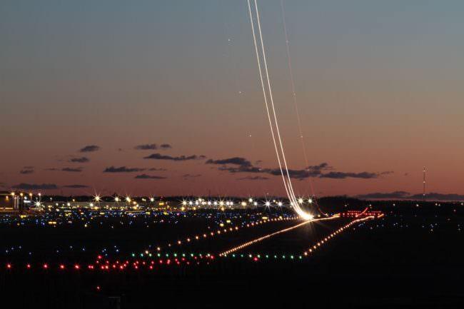 Lichter am Flughafen