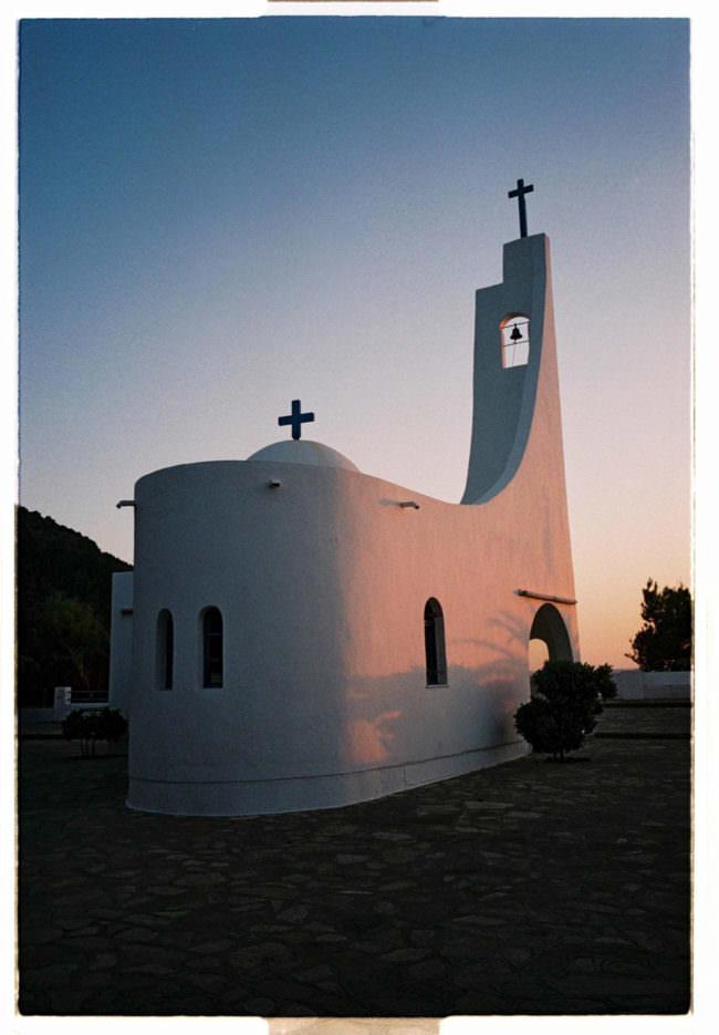 Kirche im Abendlicht