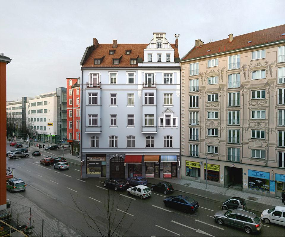 Ein Haus rückt auf die Straße