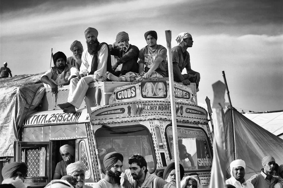 Menschen auf einem Bus