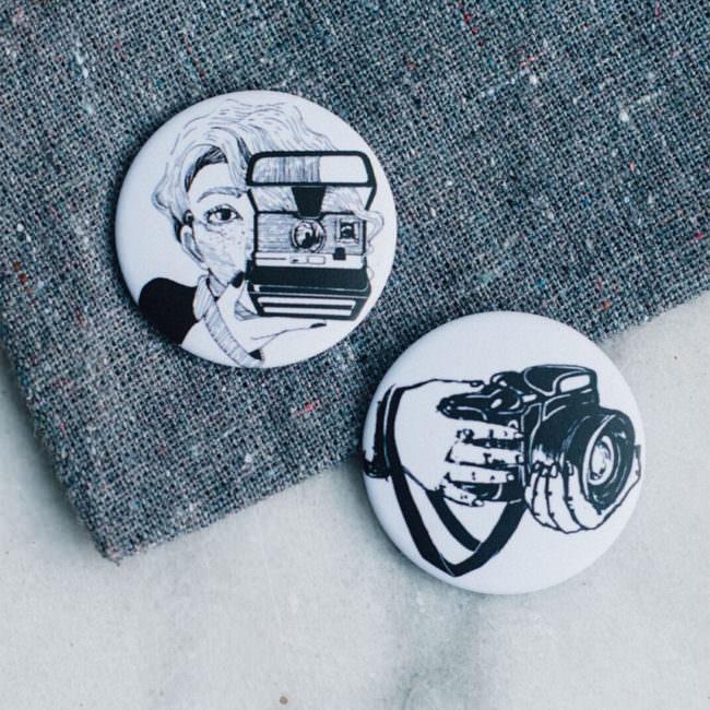 Zwei Magnete mit Kameramotiven
