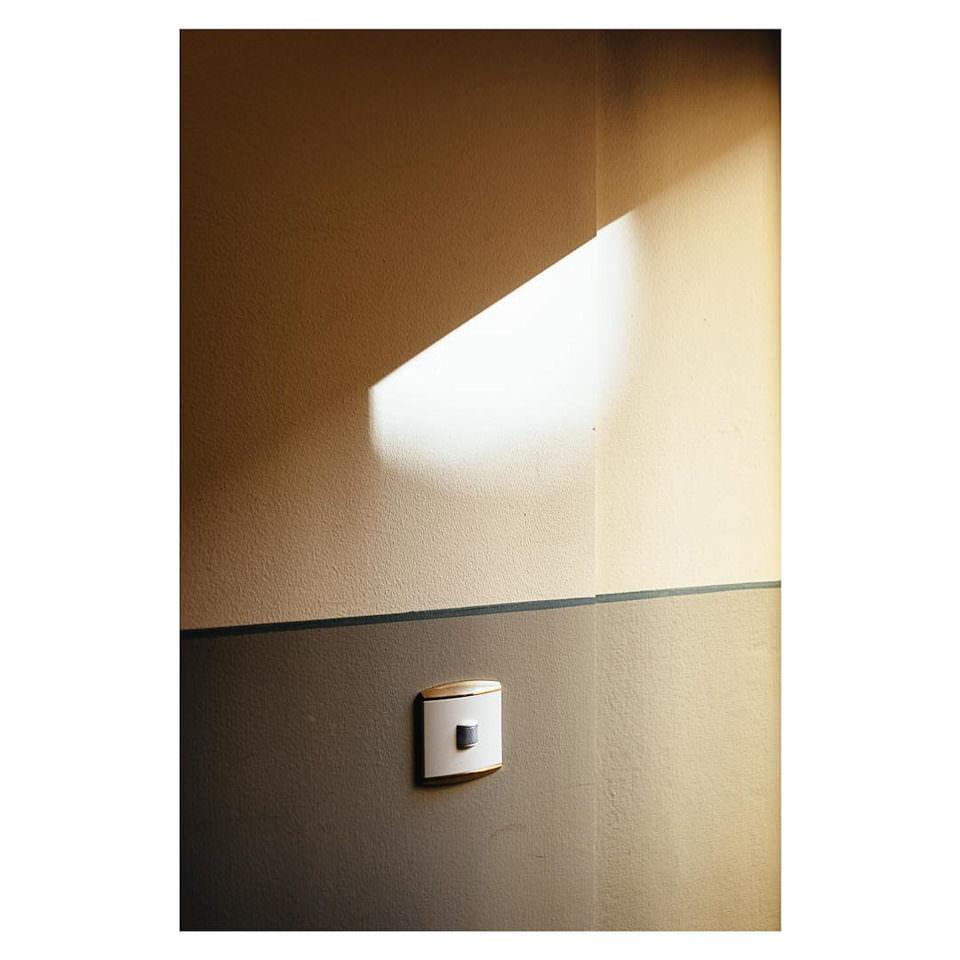 Lichtspiel an einer Wand