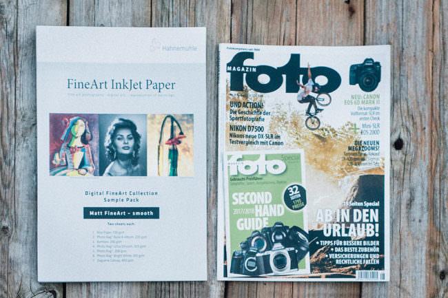 Fotopapiere und ein Fotomagazin