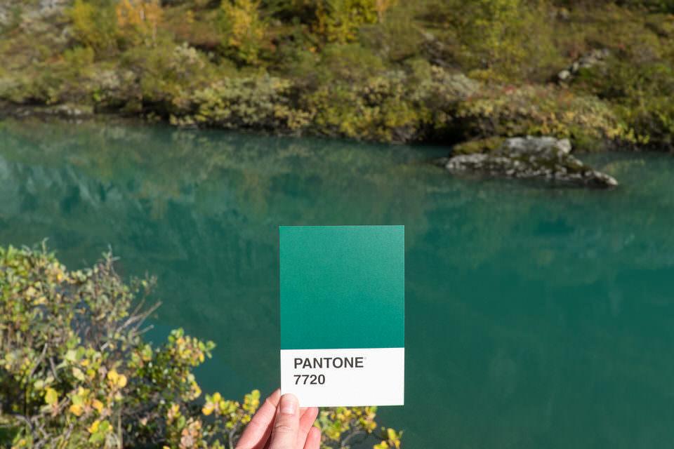 Fluss mit Farbkarte