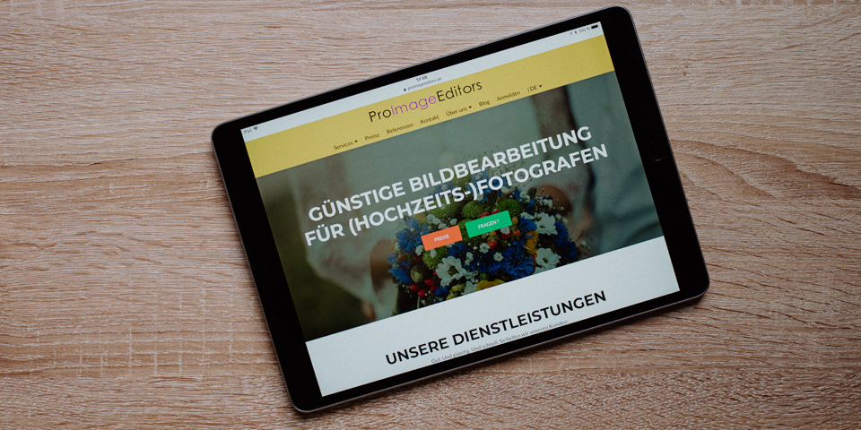 Ein Tablet mit einer geöffneten Webseite