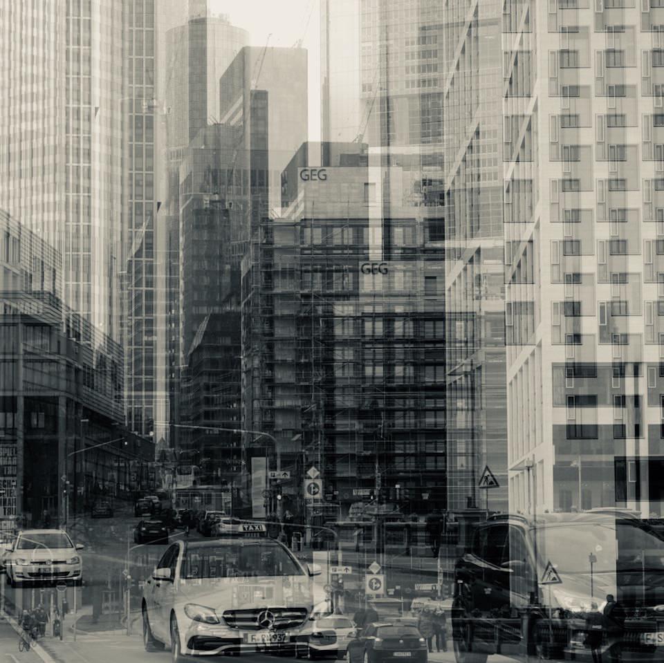 Mehrfachbelichtung einer Straße