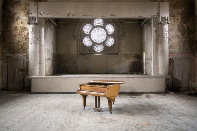 Altes Piano