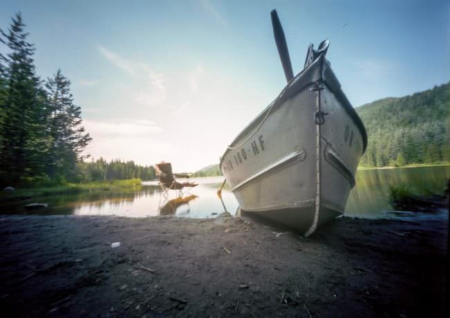 Boot an einem See