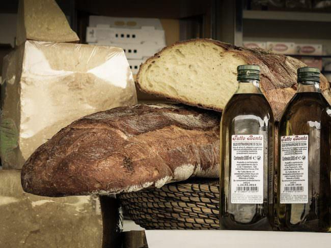 Brot, Käse und Öl