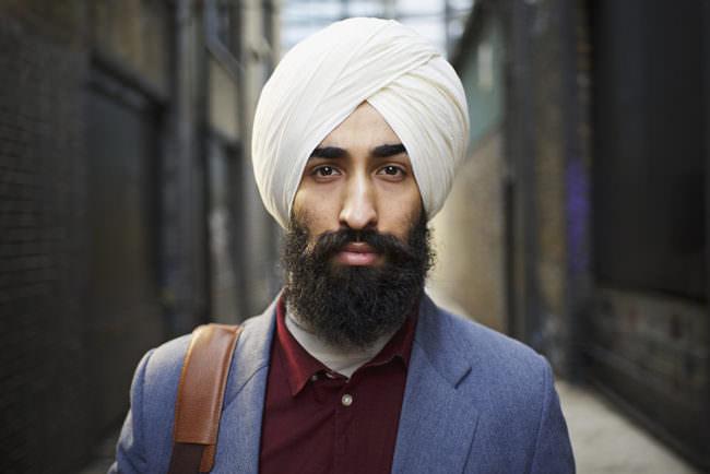 Portrait eines Mannes auf der Straße