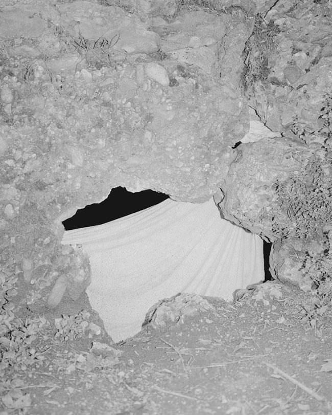 Pfütze in Stein mit Spiegelung