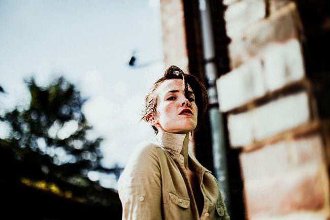 Portrait einer jungen Frau.