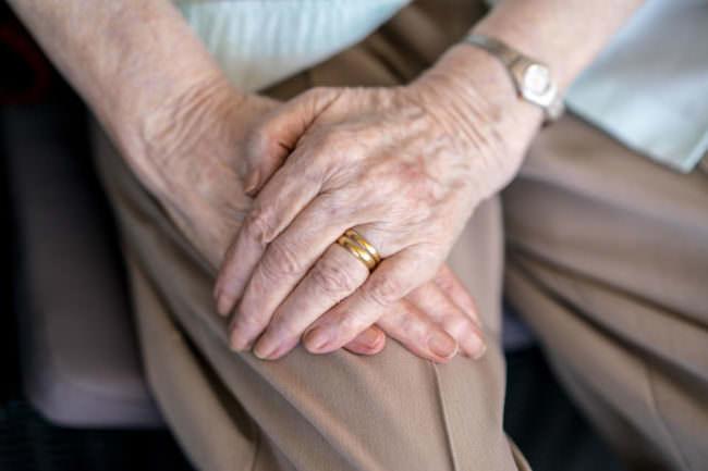 Hand mit Ehering