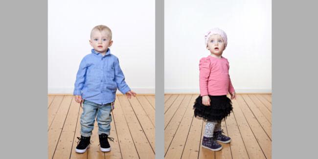 2 Kinder ein Junge und ein Mädchen.