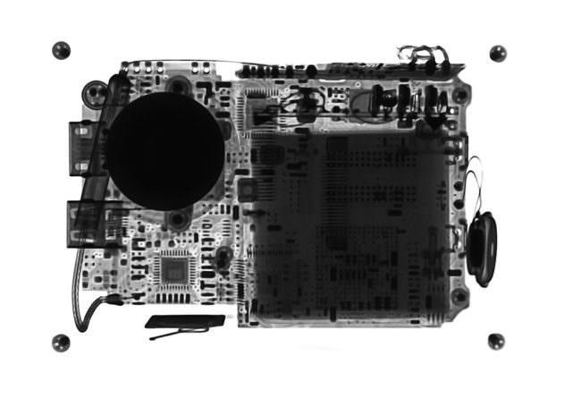 Röntgenbild eines technischen Gerätes.