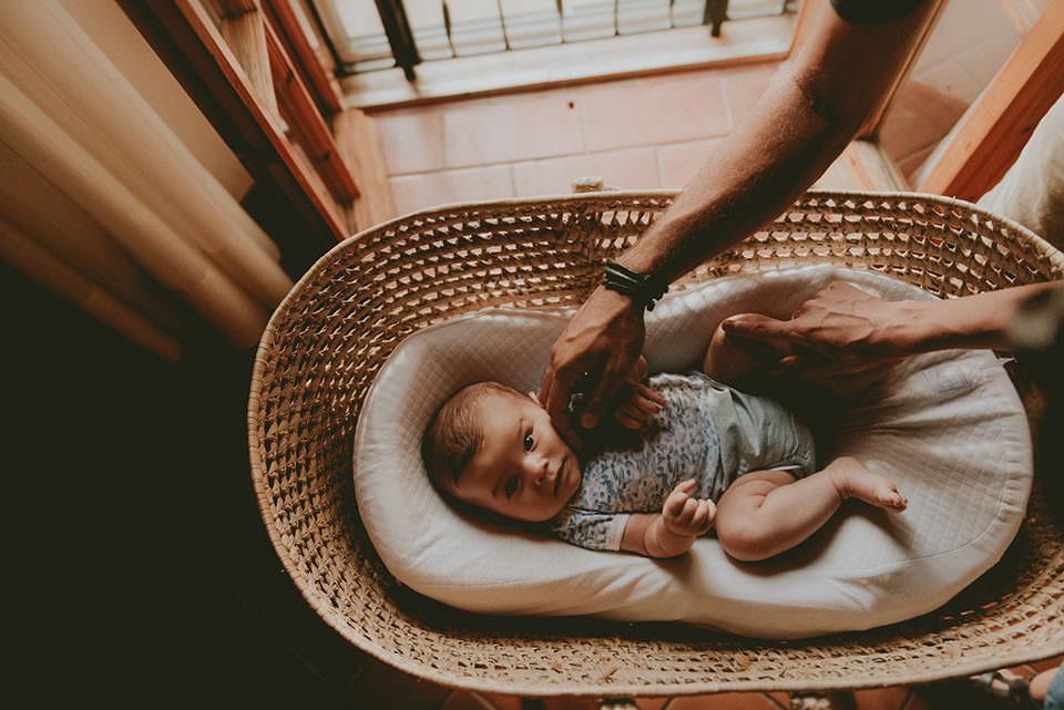 Baby in einer Wiege