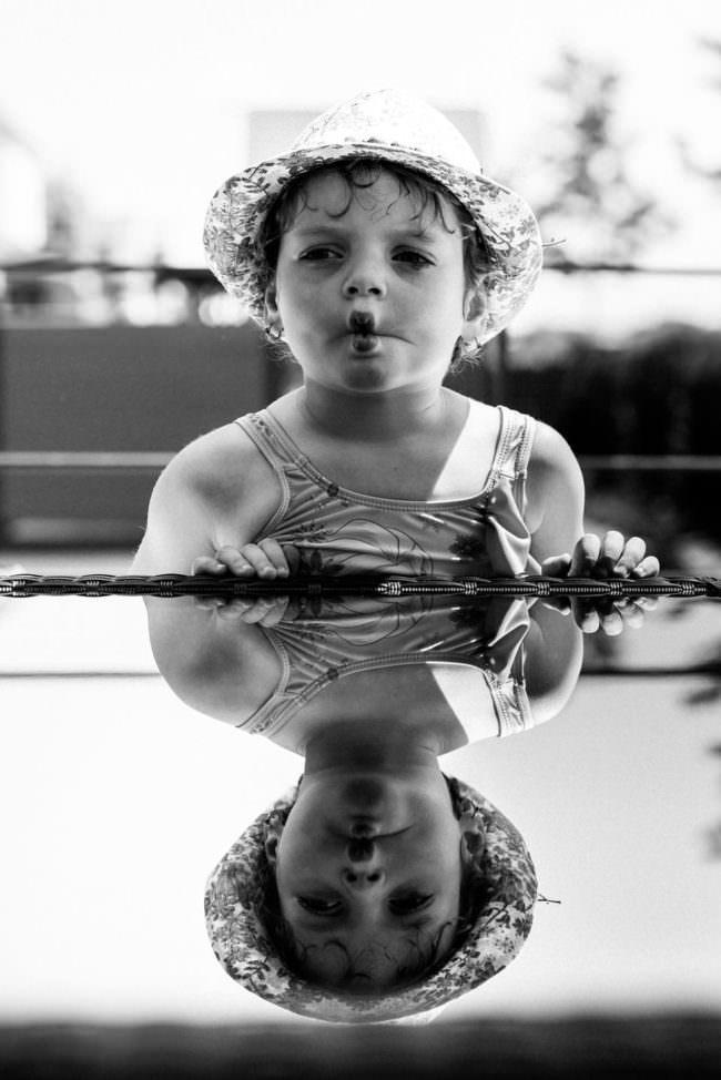 Kind macht Schnute