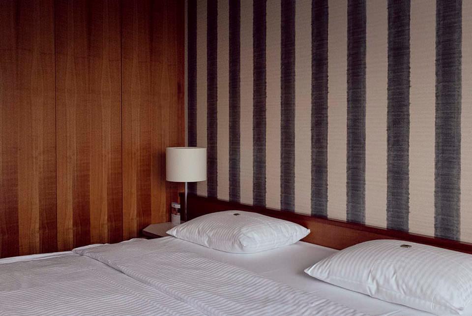 Hotelzimmerbett