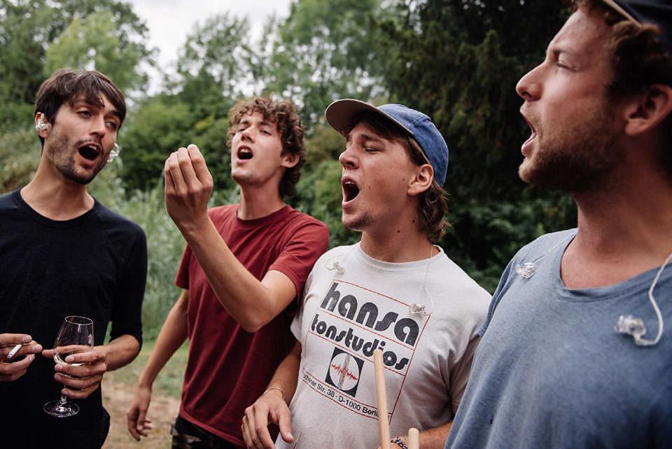 Männer singen