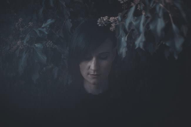 Düsteres Frauenportrait