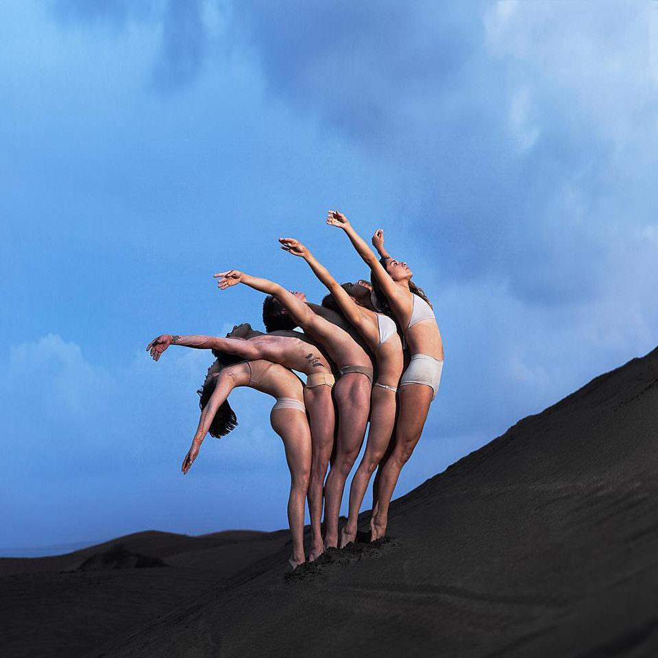 Menschen biegen ihre Körper