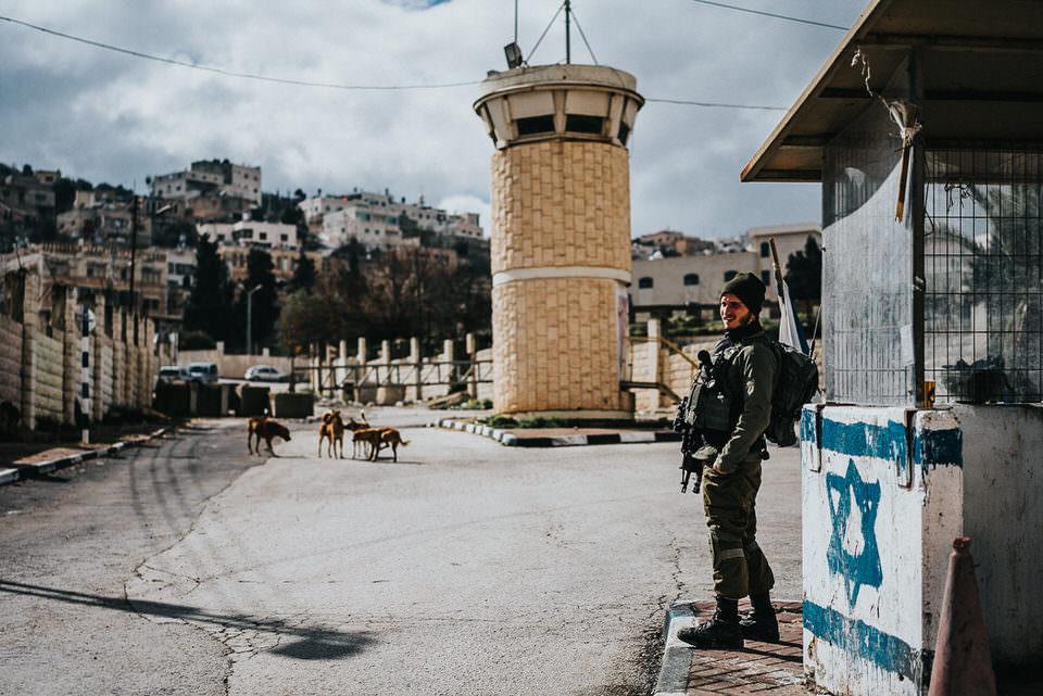 Soldat an einer Grenze