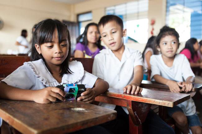 Kinder mit Kameras