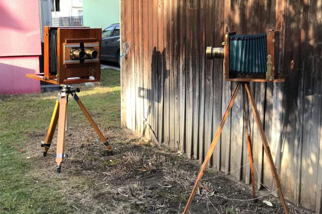 Zwei Balgenkameras