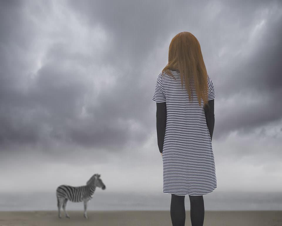 Mädchen und Zebra