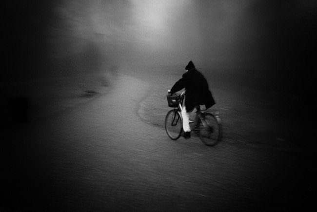 Person fährt Fahrrad