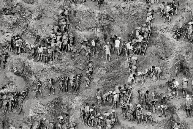 Menschen in einer Mine