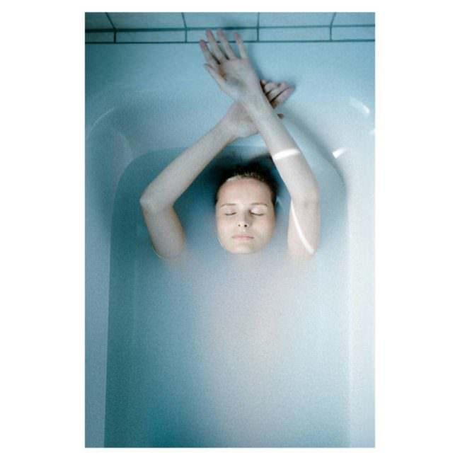 Frau in der Badewanne