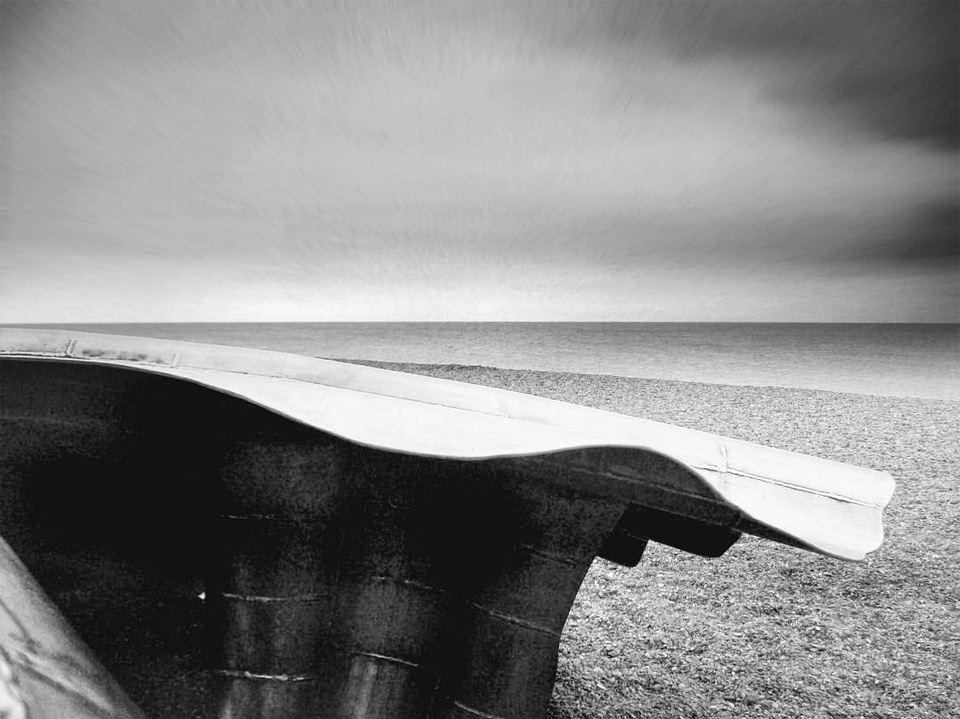 abstrakter Gegenstand am Strand