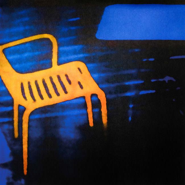 surreales Bild eines Stuhls