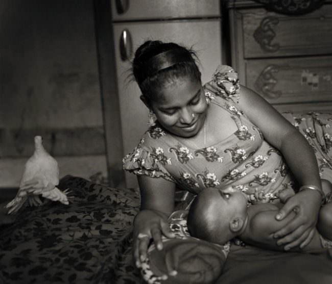 Mutter mit Kind im Bett