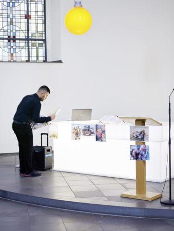 Altarraum einer Kirche