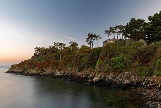 Küste mit Sonnenuntergang
