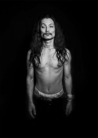 schwarzweißes Männerportrait