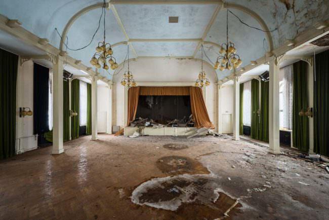 Verlassener Theatersaal