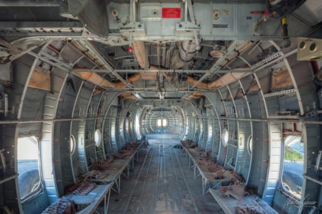 Innenraum eines alten Flugzeugs