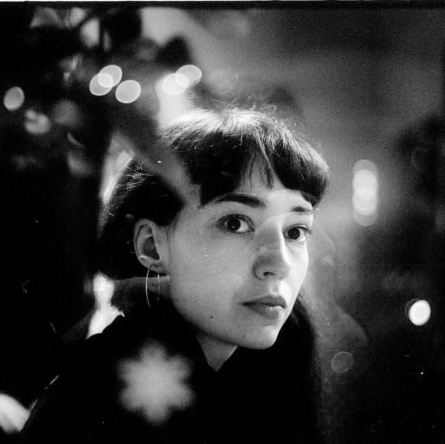 Frauenportrait mit Reflexionen