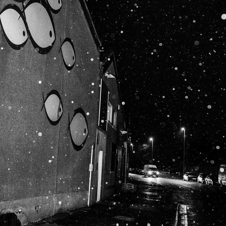 Schneefall bei Nacht