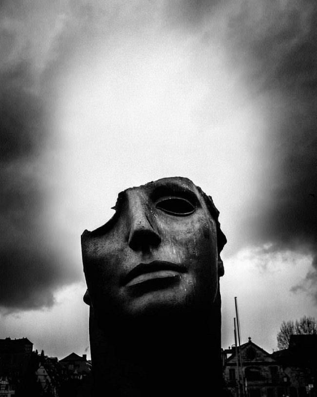 kaputter Kopf einer Statue
